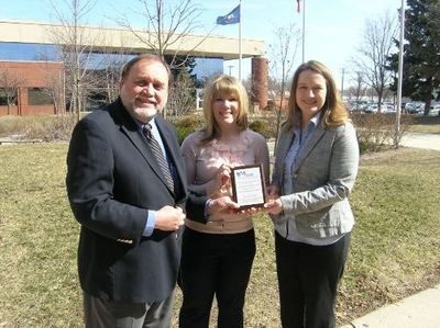 2013 Healthy Workplace Award to City of Ann Arbor -(l) Kelly Beck, Employee Benefits Supervisor.jpg; (r)Jessica Bueter, Employee Benefits Coordinator 003.jpg